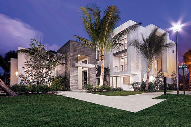Moderne Boca Townhomes