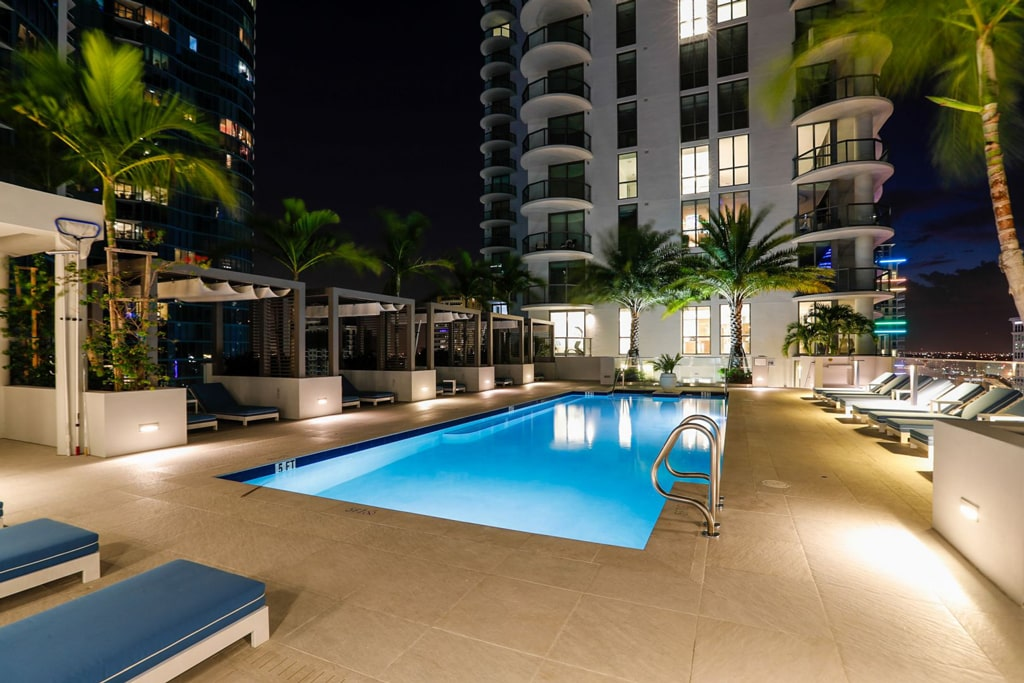 100 Las Olas Pool Night