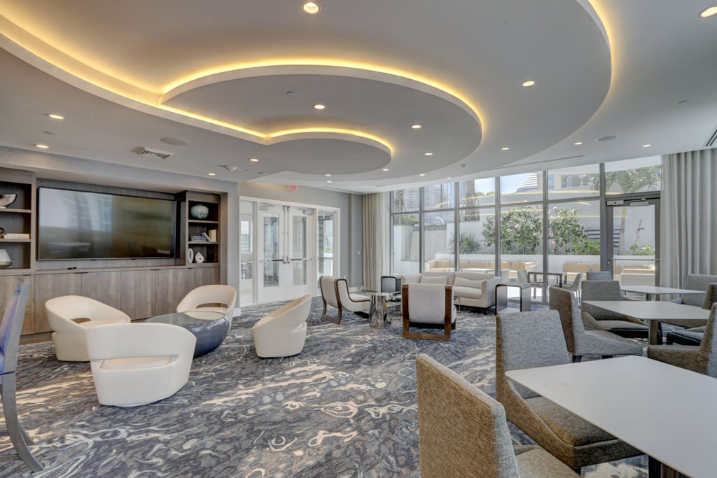 100 Las Olas Club Room