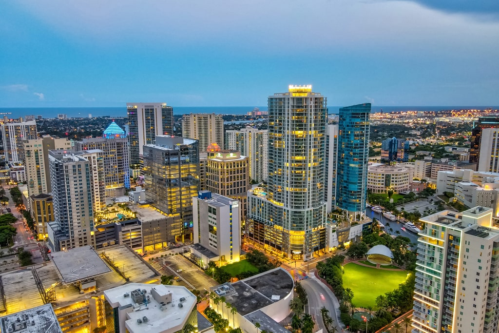fort lauderdale at night with 100 las olas lite up