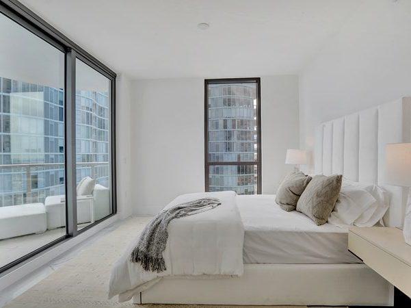100 Las Olas Bedroom